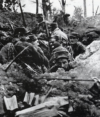 soldados trincheira.jpg
