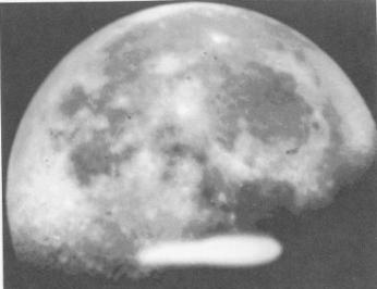 ufo sobre a terra